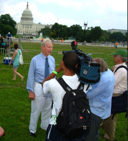 "THE TENNESSEAN WASHINGTON BUREAU CHIEF PAUL BARTON INTERVIEWS FORMER U. S. SENATOR JOE TYDINGS (D-MD) AT ""WALK ON WASHINGTON"""