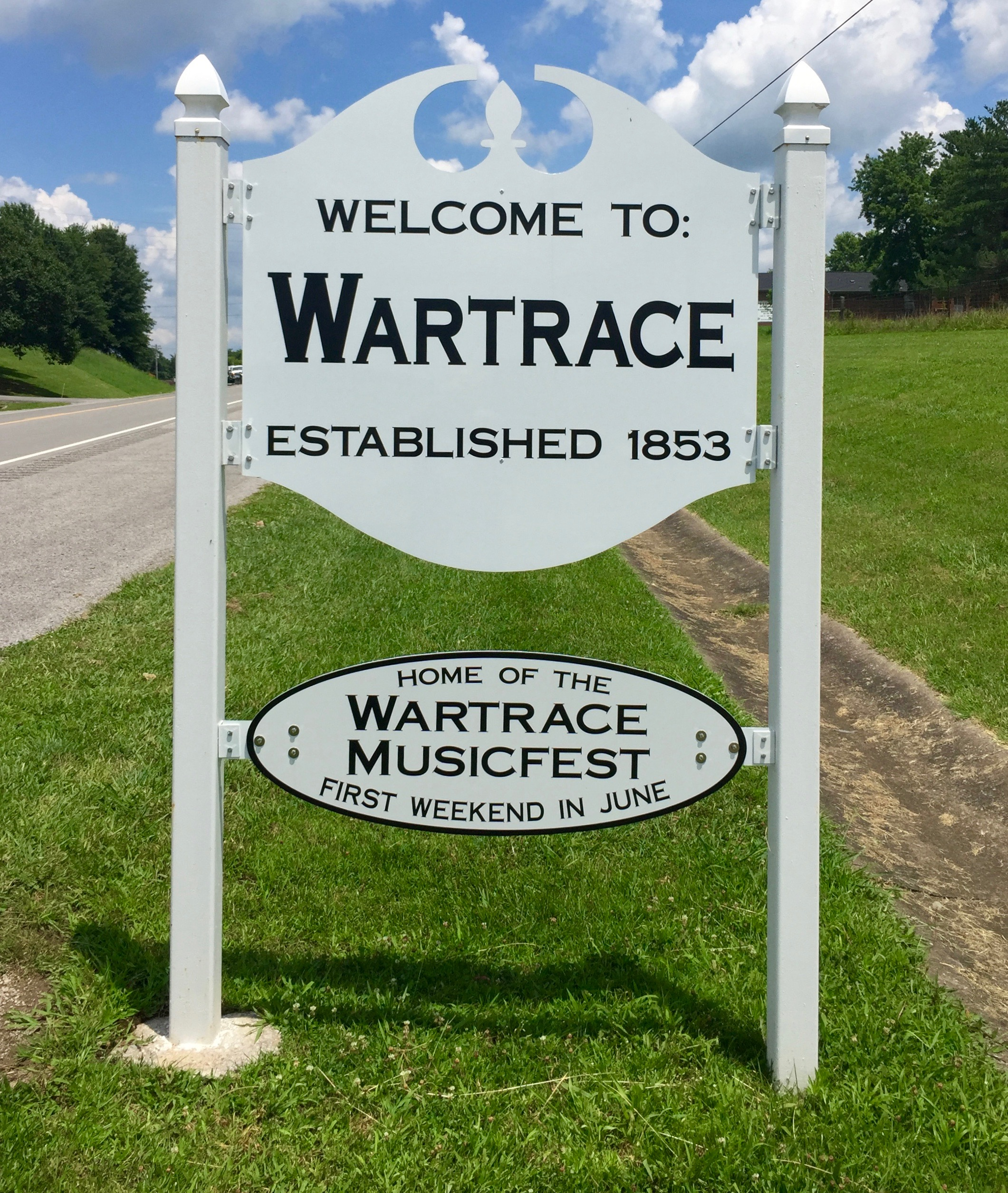 WARTRACETOWNSIGN