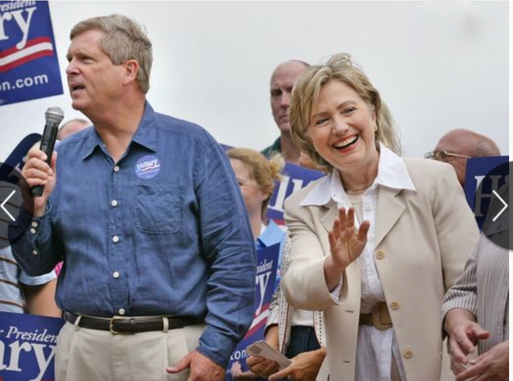 AG SEC Tom Vilsack and Presidential candidate Mr. Hillary Clinton - Photo Credit - DesMoines Register
